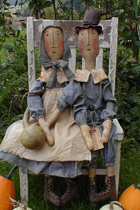 Pilgrim dolls pattern @ http://www.patternmart.com/pattern/5931/Primitive+Pattern+Pilgrim+Dolls+The+Brewsters