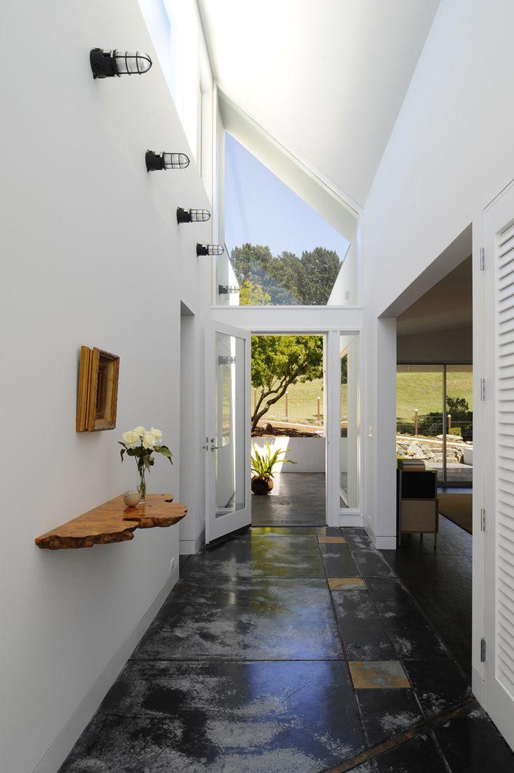 VK2 house by veverka architects