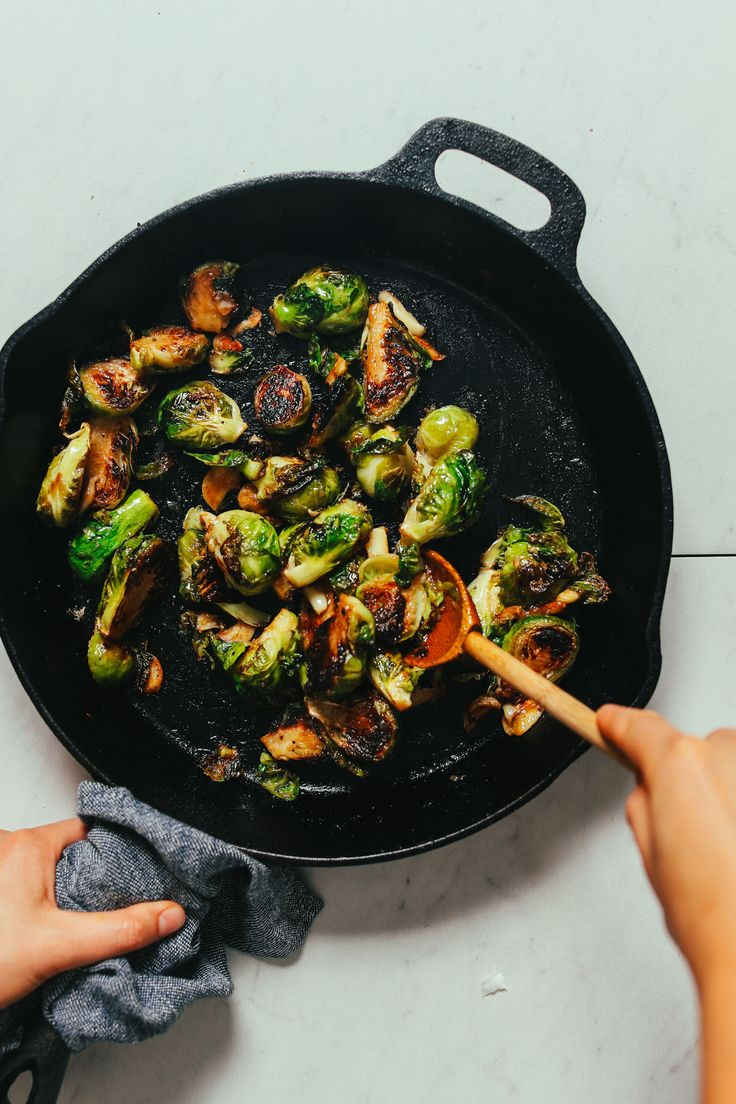 Quick and delicious roasted Brussels sprouts with garlic and a savory-sweet miso glaze. Crispy edges, tender center, and BIG flavor! Just 30 minutes and 8 ingredients required. Marinated Grilled Chicken, Sprouts With Bacon, Roasted Sprouts, Minimalist Baker, Sprouts Salad, Sprout Recipes, Baker Recipes, Baked Salmon, Vegetable Side Dishes