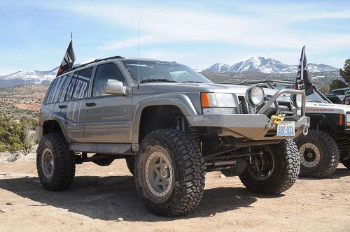 V-8 Grand Cherokee trail runner at Moab, Utah
