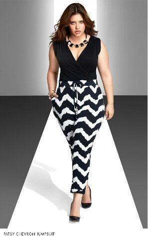 Yes, love this look. Curvy girls can wear zig zag patterns on their hips.