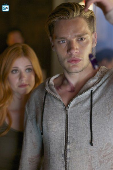"#Shadowhunters 1x05 ""Moo Shu to Go"" - Clary and Jace"
