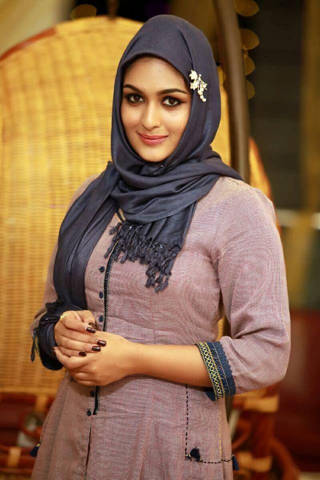 Actor,Actress Photos of Malayalam,Tamil,Telugu,Hindi,Bollywood Films.