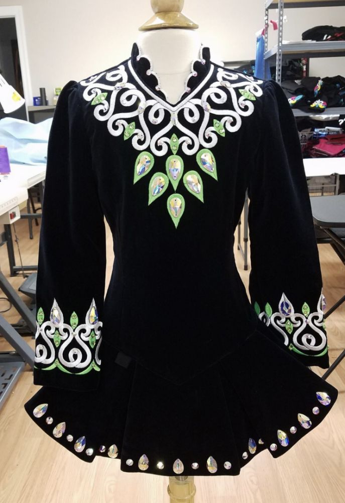 For sale approx size: g6 Black Velvet dress with lime green and white embroidery. Shoulder to total length 25 Sleeve 18 Bust 24.5 Waist 21.5 Drop waist 24. [Prime Dress Designs, Irish Dance Dresses, Irish Dance Dress, Solo Dress]