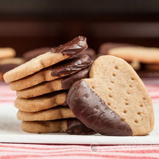 Scottish Shortbread Cookies with Chocolate (3 ingredients only) - easy, melt-in-your-mouth bliss.