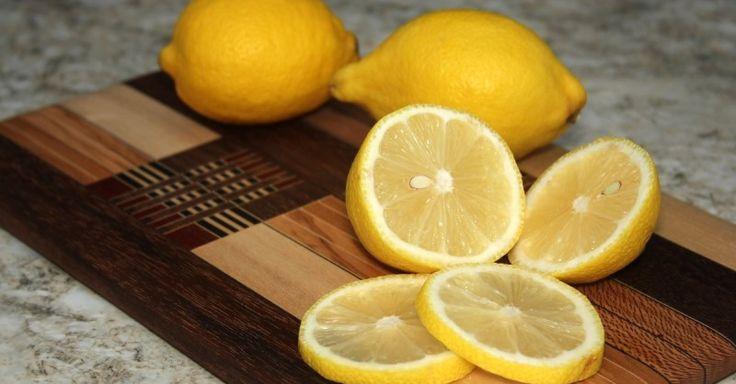 Ze legt wat schijfjes van een citroen in haar slaapkamer. Klinkt misschien vreemd maar het is voor DEZE reden! - Zelfmaak ideetjes