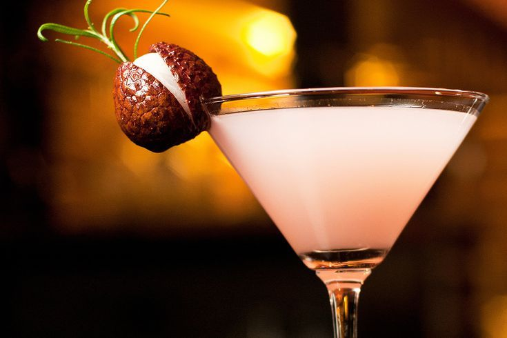 Make Your Own Lychee Liqueur and Enjoy It in This Lychee Martini
