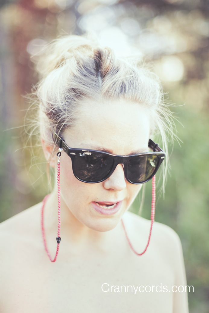 Helene wearing Kræsj Pink from our third collection - www.grannycords.com.