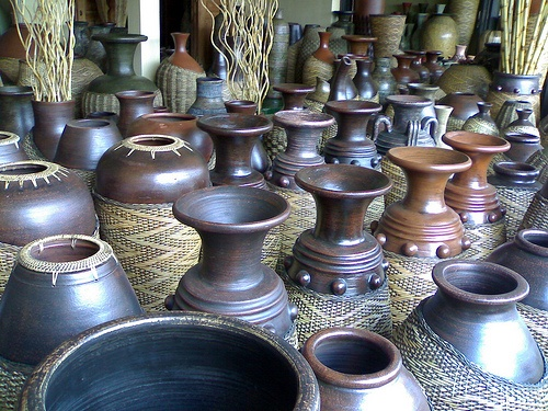 KASONGAN.  Close look at ceramic handicrafts making that is done from generation to generation while hunting beautiful hand-made collections produced by skillful craftsmen.