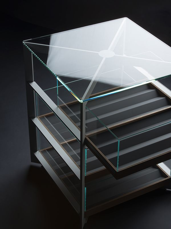 Solitaire // Bulthaup Team, Gerhardt Kellermann. This photo provides a nice angle of the presentation element.