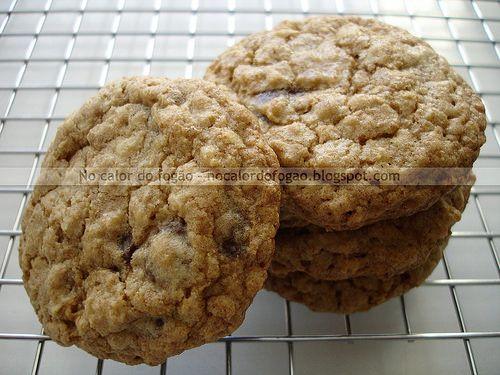 Cookies integrais de aveia e gotas de chocolate