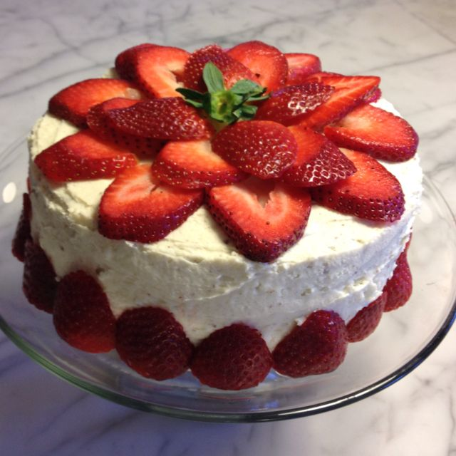 Cake Decorating Ideas Strawberry : 24 Best images about Museum of Me on Pinterest Track ...