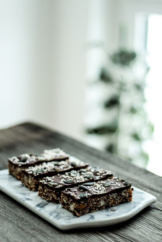 Die Glücklichmacherei: Mal wieder was Gesundes 〖Amaranth-Dattel-Riegel mit ein wenig Schokolade〗
