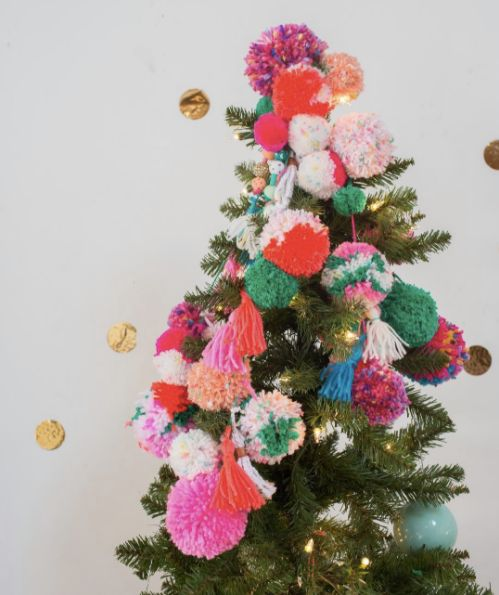 DIY pom-pom tree topper