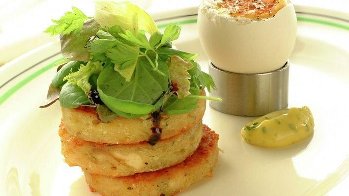 Farniette - kyllingtoast med egg og salat - Gjester - Oppskrifter - MatPrat