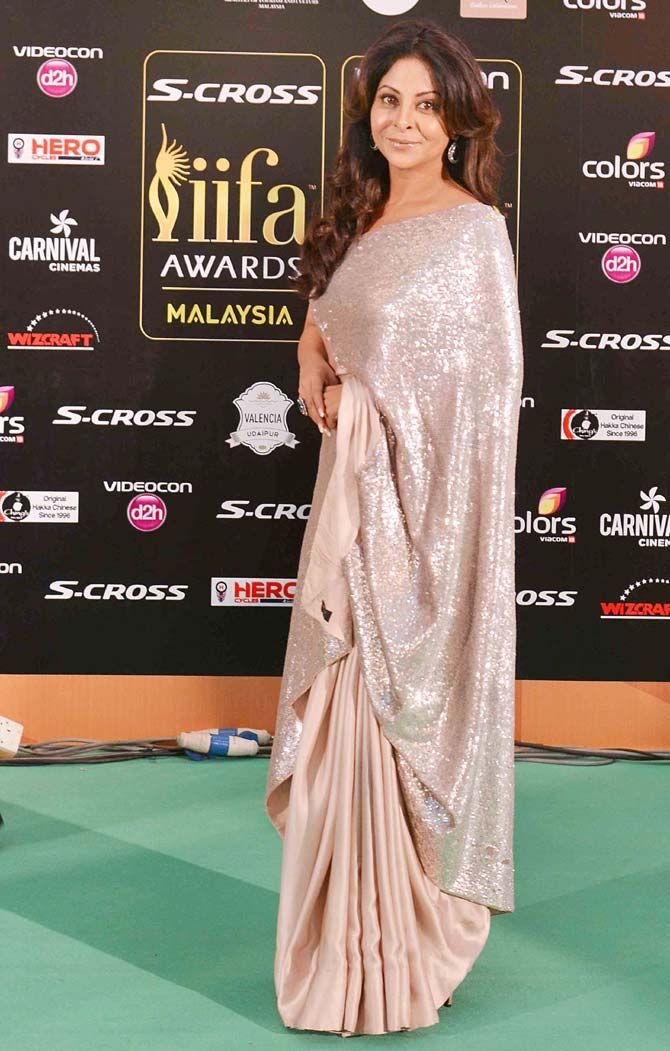 Shefali Shah At The Green Carpet Of Iifaawards2015 In