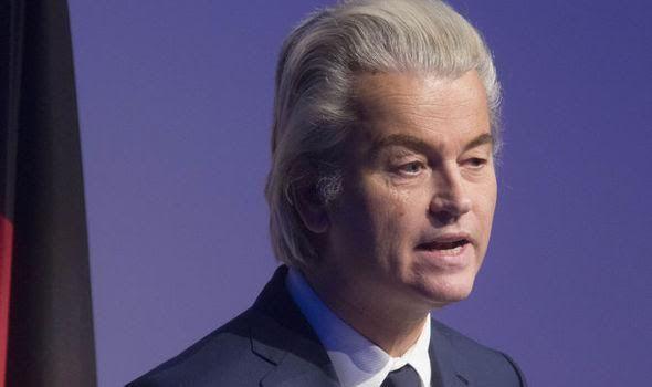 Kampanye anti-Islam Wilders dilarang di transportasi umum di Rotterdam  AMSTERDAM (Arrahmah.com) - Sebuah iklan kampanye anti-Islam yang diluncurkan oleh Partai Kebebasan (PVV) pimpinan Geert Wilders telah dilarang di trem-trem dan bus-bus di Rotterdam express.co.uk menyatakan pada Jum'at (3/2/2017).  Wilders mengatakan kepada sejumlah media di Belanda bahwa ia telah mencoba untuk mengatur kampanye iklan baru pemilihan parlemen mendatang di Belanda pada tanggal 15 Maret setelah pejabat…