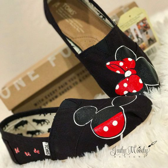 Hey, I found this really awesome Etsy listing at https://www.etsy.com/listing/493048568/disney-toms-luggage-tag-inspired-no