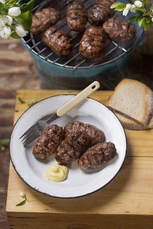 Mici (Meech)   Romanian meatballs   great outdoor Romanian cuisine for BBQs : great stuff