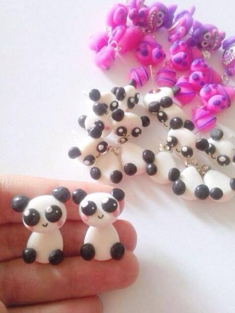 Clinging de Panda (viene en par), para mas informacion entra en nuestra pagina: www.accesoriosunicos.com.ve o escribenos a nuestro whatsapp: (0424) 3554720!