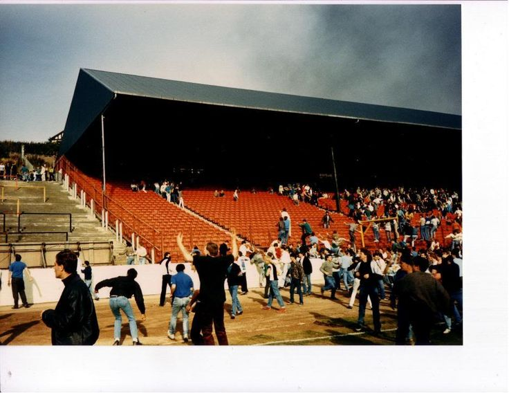 Another unusual angle of a well photographed day.Odsal 86 after Leeds have charged across the pitch
