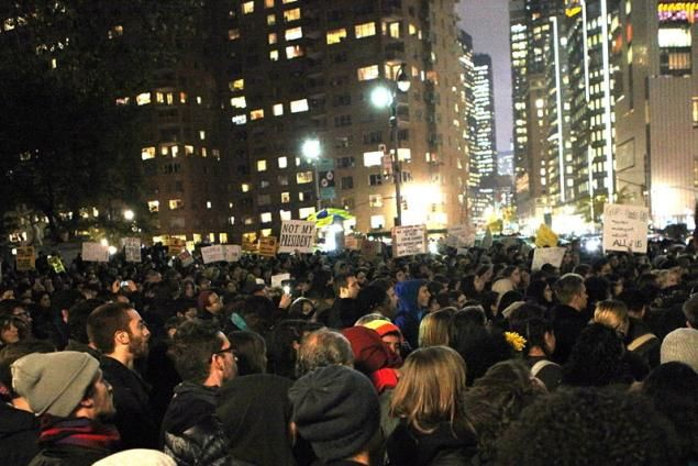 nice Madonna, Mark Ruffalo, T.I. join NYC anti-Trump protests Check more at http://10ztalk.com/2016/11/10/madonna-mark-ruffalo-t-i-join-nyc-anti-trump-protests/