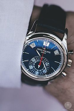For the 1 st time this chronograph with perpetual calendar in stainless steel