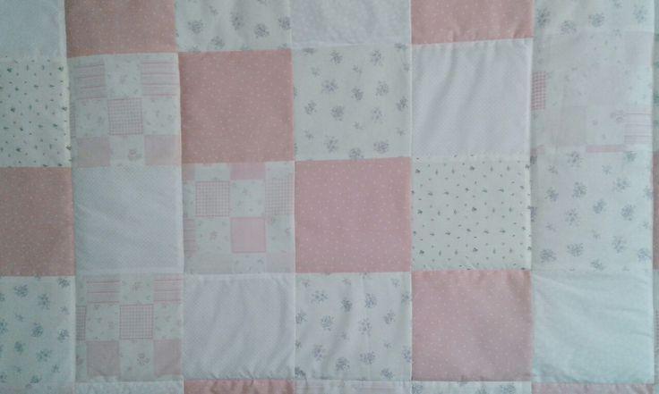 Hermosos cobertores de cuna en tamaños y colores a elección. Los diseñamos para ti y tu bebé  #cuna #bebé #ropacama #cobertor #baby
