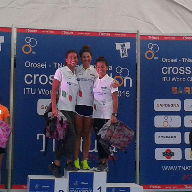 Complimenti a mia moglie Carla e alle sue compagne di squadra Pina Deiana e Michela Miky Evaristo che hanno vinto la staffetta femminile cross triathlon al TNatura - ITU World Championships 2015 ad Orosei. Brave ragazze