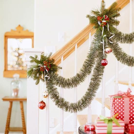 1000+ Ideas About Christmas Stairs Decorations On
