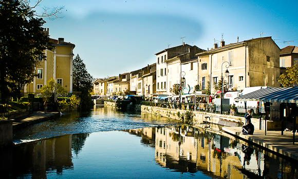 17 best images about luberon markets on pinterest for Hotels isle sur la sorgue