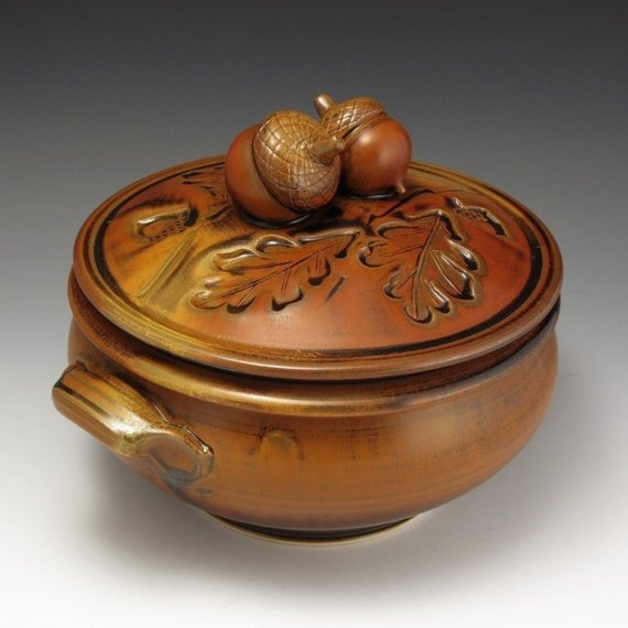 Acorn-Topped Casserole (acorns or leaves are great for handles.  Why didn't I think of that?)