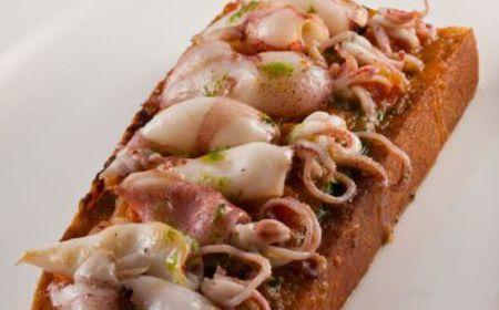 Calamaretti alla piastra con bruschetta al pomodoro – Tutte le ricette