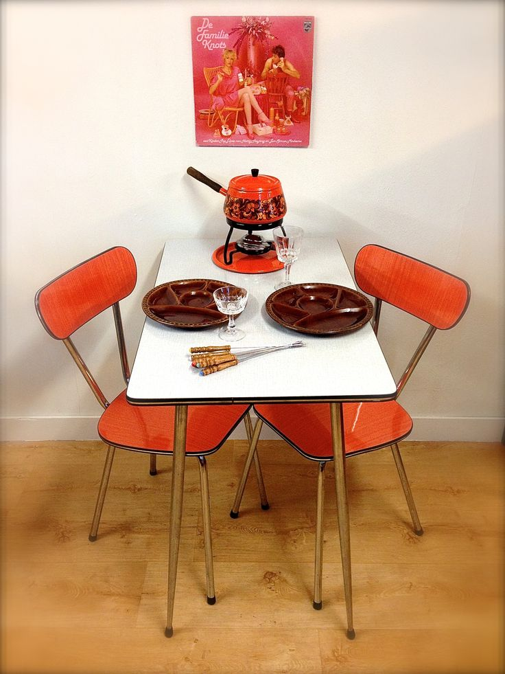 Formica tafel en stoelen Retro kitchen Retro table and chairs formica Dutch Fondue Oranje Brabantia