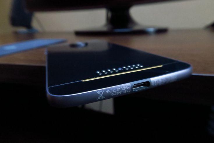 Motorola Moto Z: Baterie scoasă în evidenţă de talia ce o cuprinde http://bit.ly/2kxzAo8