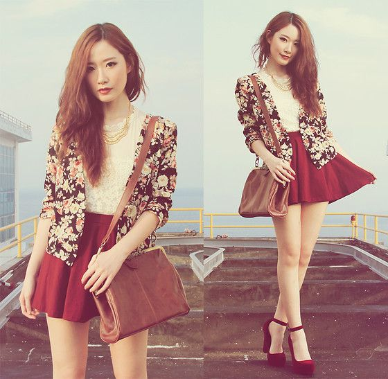 Gowigasa Floral Blazer, Gowigasa Gold Wave Necklace, Gowigasa Vintage Purse Bag, Swaychic Red Velvet Ankle Strap Platform