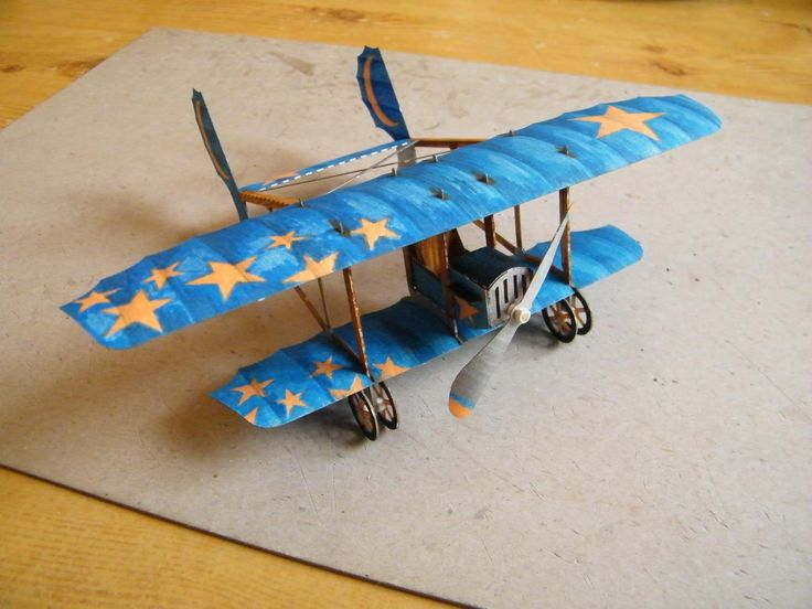 Finished paper model painted and assembled by architect Solnar, 3AS White World. This model is named Mia, and is loosely based on a real historical aircraft Caudron G.3. It is designed for beginners and children.