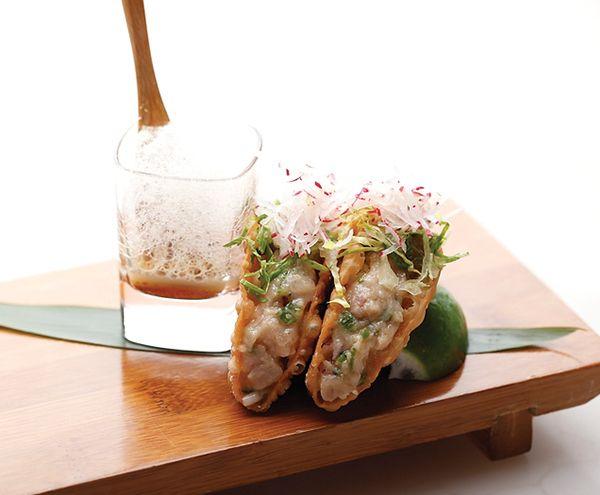 El restaurante SUSHISAMBA en Miami Beach esta situado en el centro comercial Lincoln Road Mall y ofrece una mezcla maravillosa entre gastronomia latina y asiática.