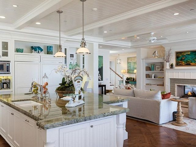 Best 25 cape cod kitchen ideas on pinterest coastal for Cape cod kitchen design ideas