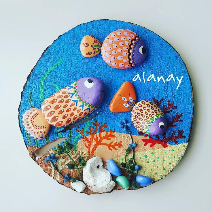 """""""#taş  #taşboyama  #stone  #stonepainting  #stoneart  #resim  #hobi  #terapi  #rockspaint  #ağaç  #odundilimi  #balık  #fish  #denizaltindayasam #günaydın…"""""""