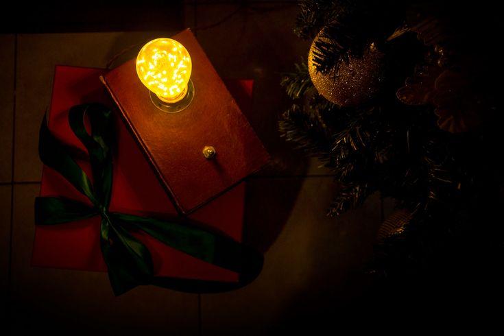 Ancora per poco e tutti i regali saranno al loro posto... sotto l'albero.