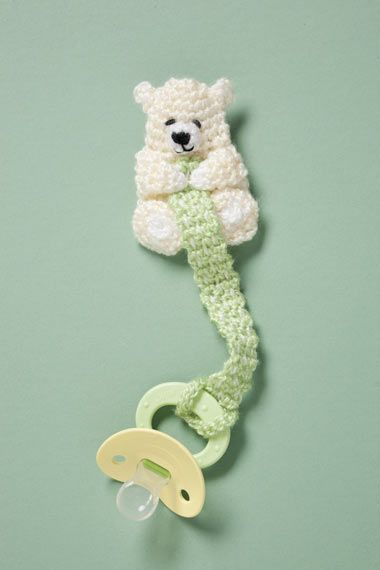 Bear Pacifier Holder--free crochet pattern