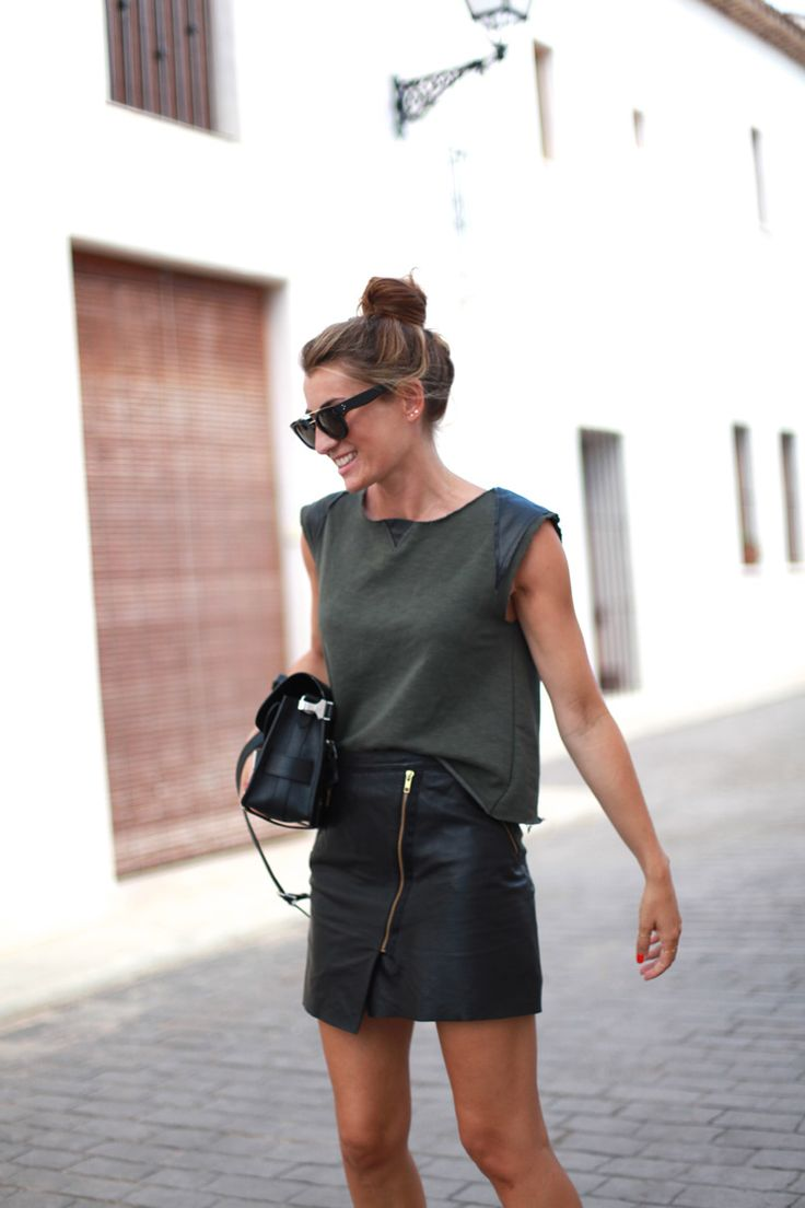 The leather skirt with exposed zip really is fabulous. Great that its teamed with simple touches that augment it, without overpowering the skirt's impact or drama. Discover and share your fashion ideas on www.popmiss.com