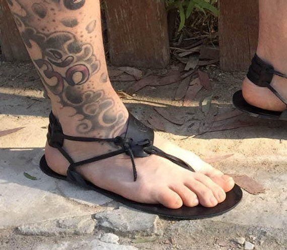 suche nach neuestem Fabrik neues Erscheinungsbild Barfuss Sandalen in schwarz, Herren Sandalen, handgefertigte ...