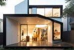 Direction Seattle pour découvrir Genesee Townhomes, des maisons imaginées et réalisées par Chris Pardo Design. Arborant un look audacieux pourtant assez cl