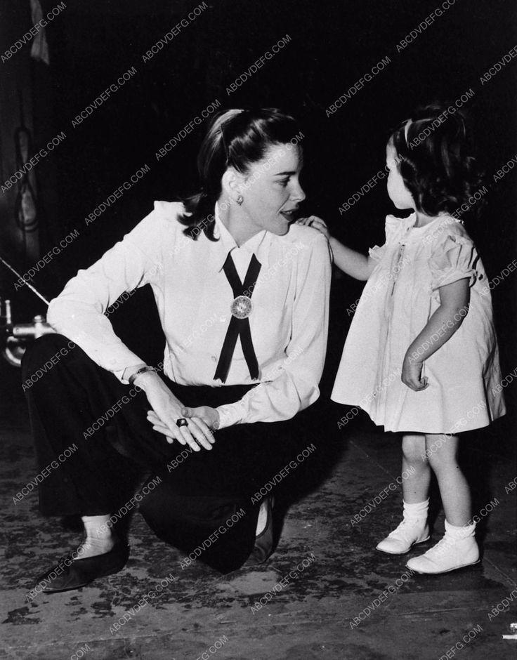 B A B B Fcc A Bd Ec Judy Garland Liza Minnelli Celebrity Siblings on Foxtrot Dance Moves