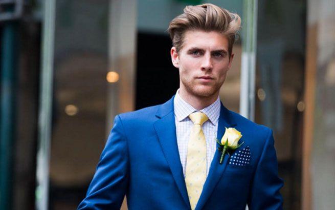 Zurückgekämmte Haare sind 2016 im Bereich Männerfrisuren angesagt.