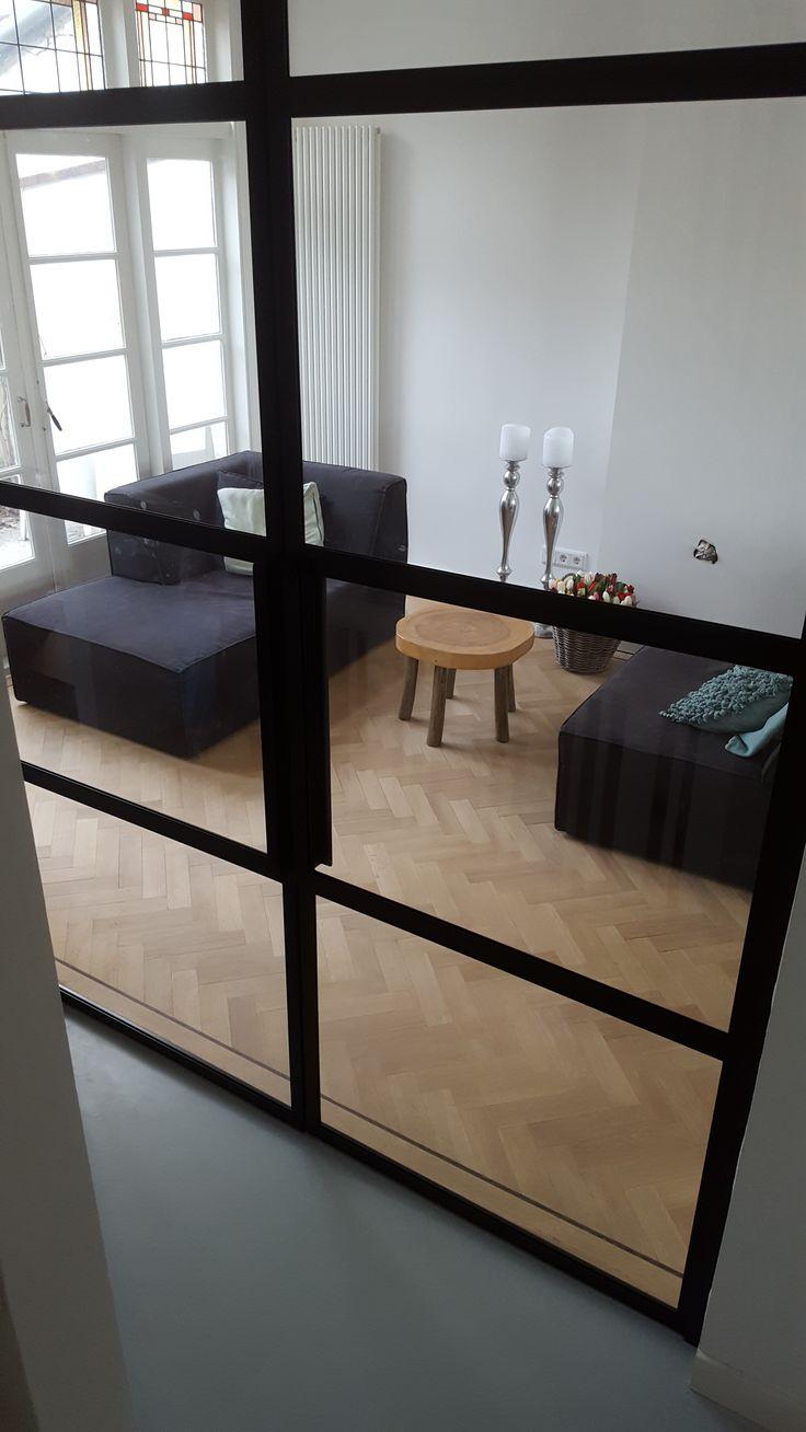 entree naar de woonkamer #wonen #inrichting #huis #inspiratie #deur #staal #kozijn