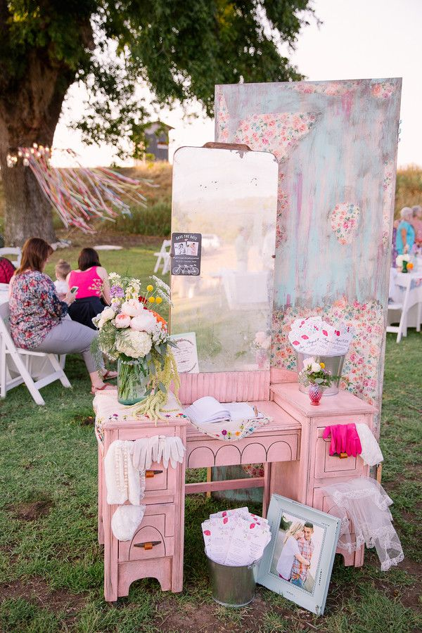 Vintage + Shabby Chic Wedding Decor Idea   The Guest Book Was Set On An  Adorable