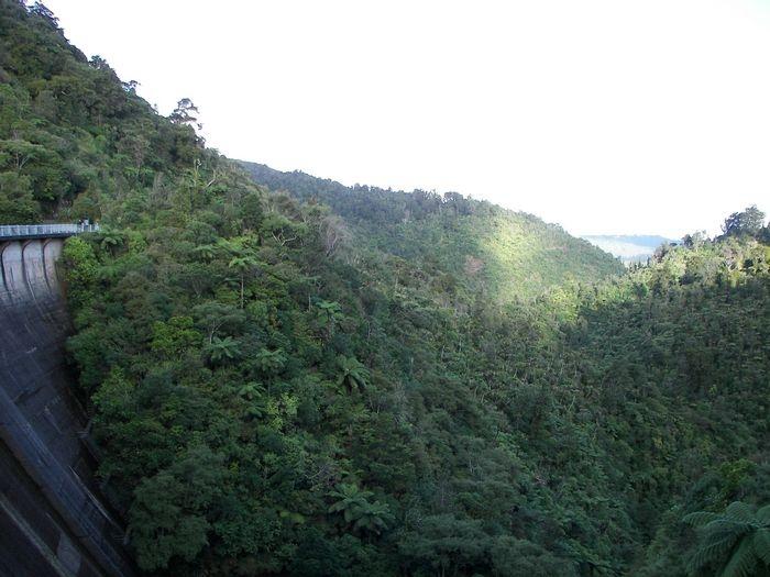hills near Nihoputu Dam